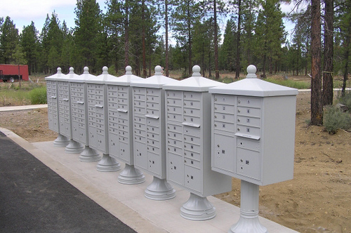 Cluster Box Unit with Traditional Cap and Base